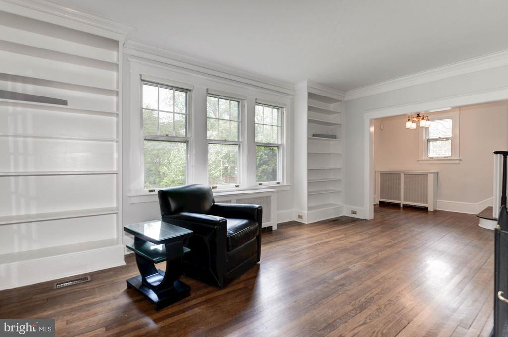 Living room - 2820 FRANKLIN RD, ARLINGTON