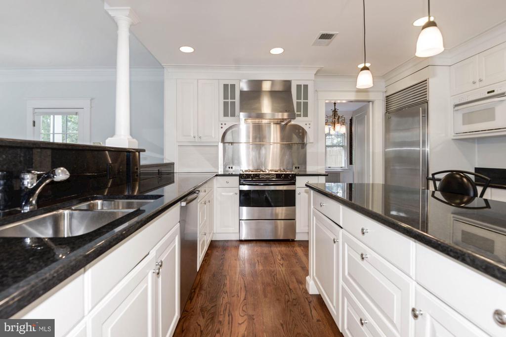 Kitchen - 2820 FRANKLIN RD, ARLINGTON