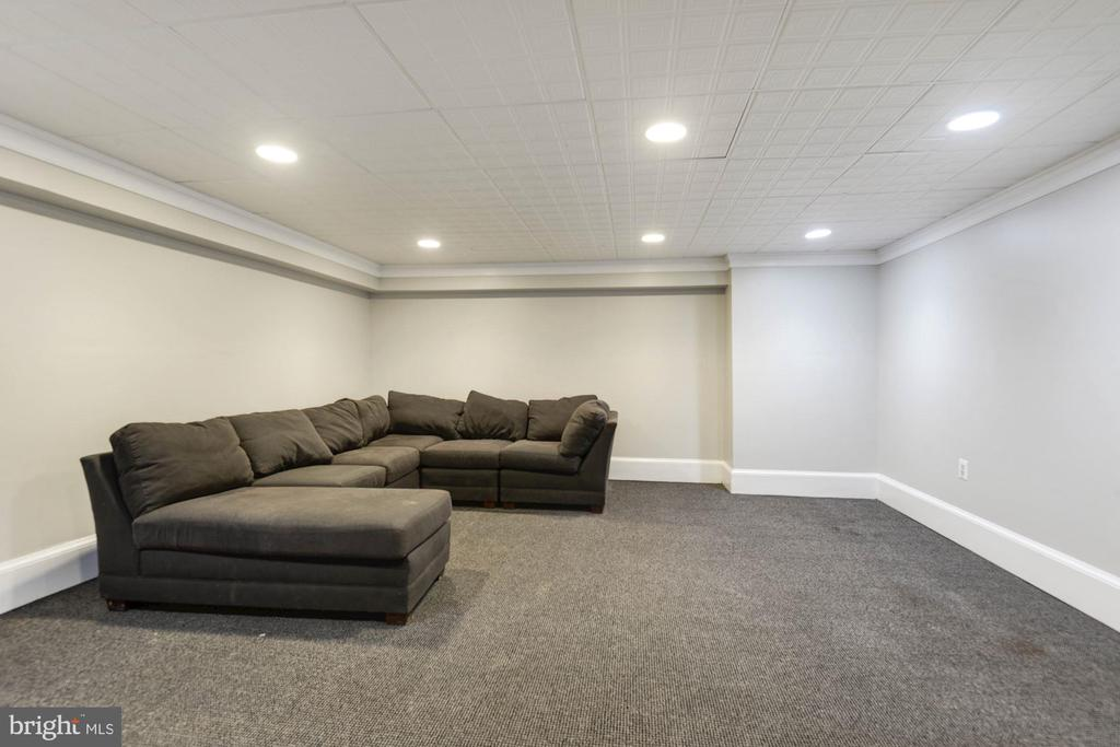 Recreational room - 2820 FRANKLIN RD, ARLINGTON