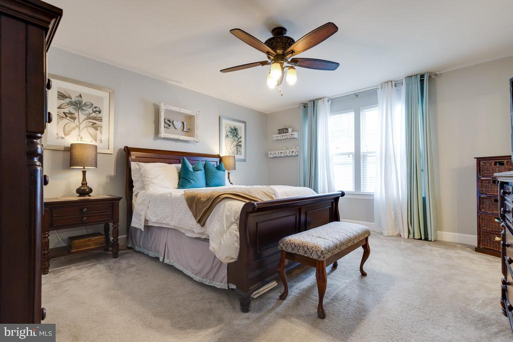 Spacious Master Bedroom - 1703 GRANVILLE CT, WOODBRIDGE