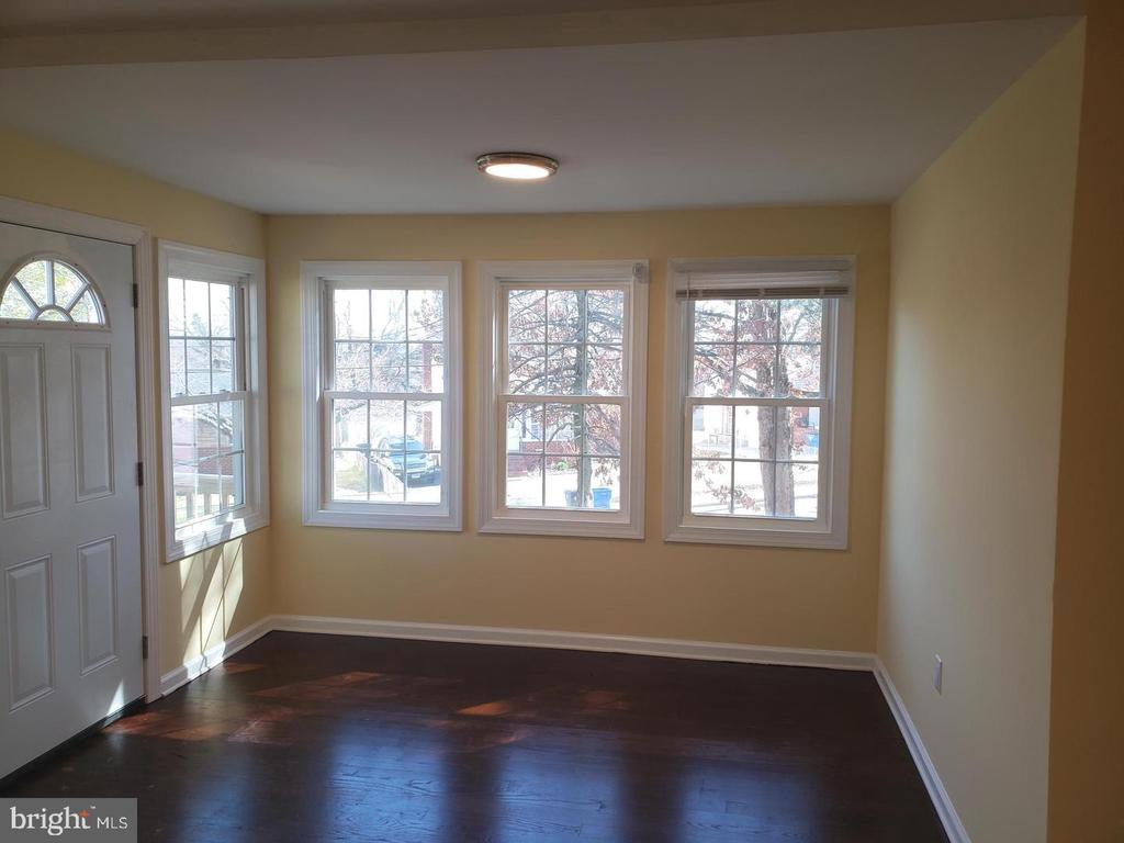 Livingroom - 4014 71ST AVE, HYATTSVILLE