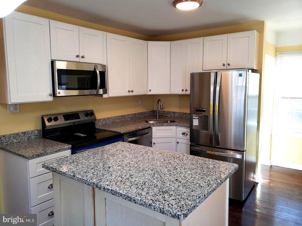 Kitchen - 4014 71ST AVE, HYATTSVILLE