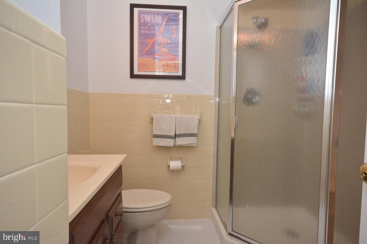 Private bath for Princess suite on first floor.