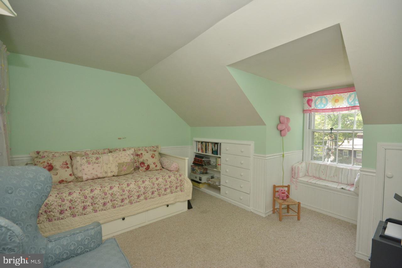 Second bedroom up.