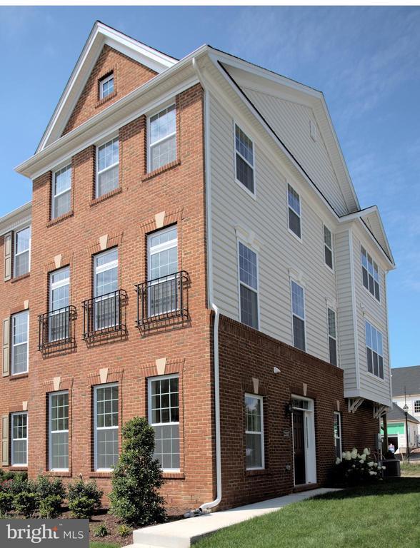 23117  DUNLOP HEIGHTS TERRACE, Ashburn in LOUDOUN County, VA 20148 Home for Sale