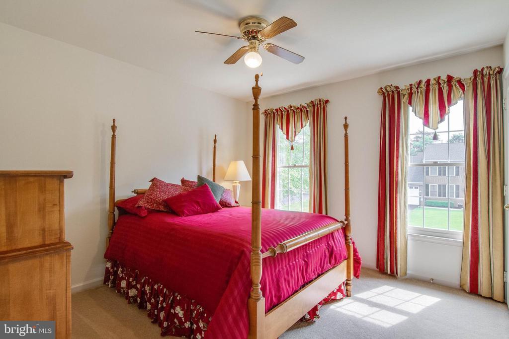 3rd Bedroom - 15612 NEATH DR, WOODBRIDGE