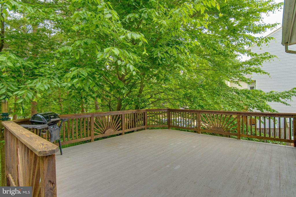 Deck - 15612 NEATH DR, WOODBRIDGE