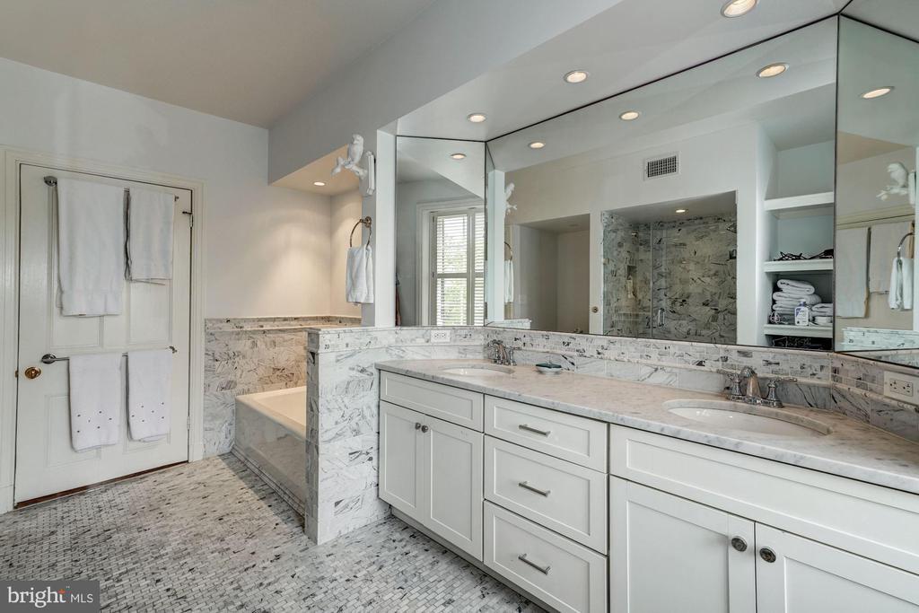 Full Hall Bathroom - 3026 P ST NW, WASHINGTON