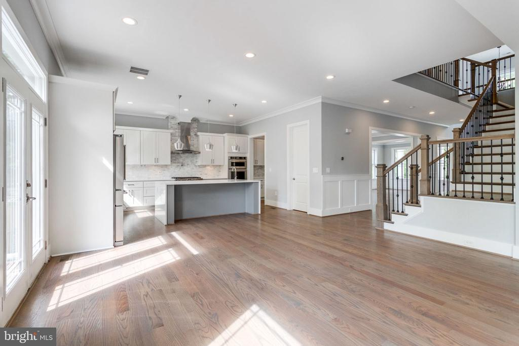 Family room off kitchen. - 2043 ARCH DR, FALLS CHURCH
