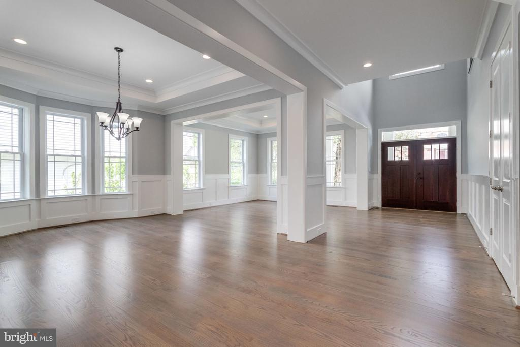 Spacious and light filled. - 2043 ARCH DR, FALLS CHURCH