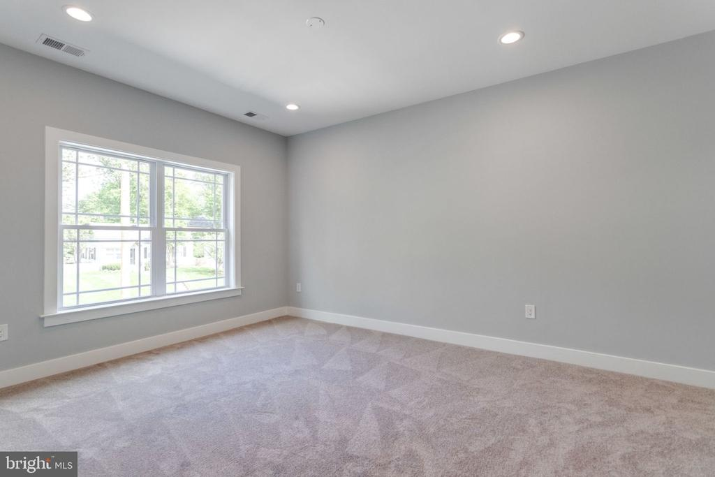 2nd bedroom - 2043 ARCH DR, FALLS CHURCH