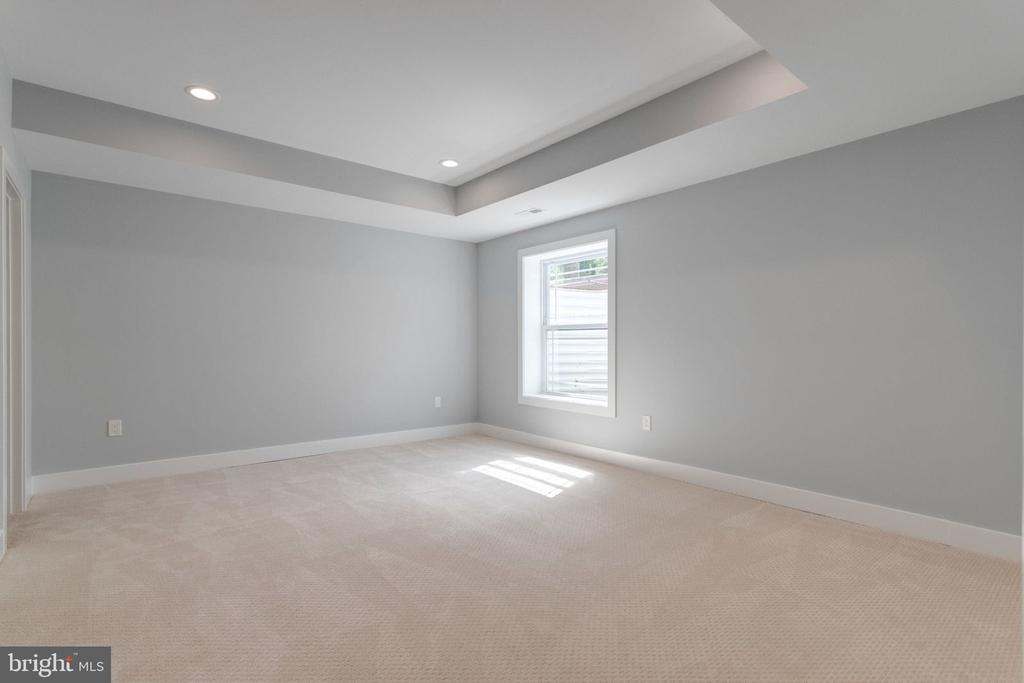 Basement bedroom. - 2043 ARCH DR, FALLS CHURCH