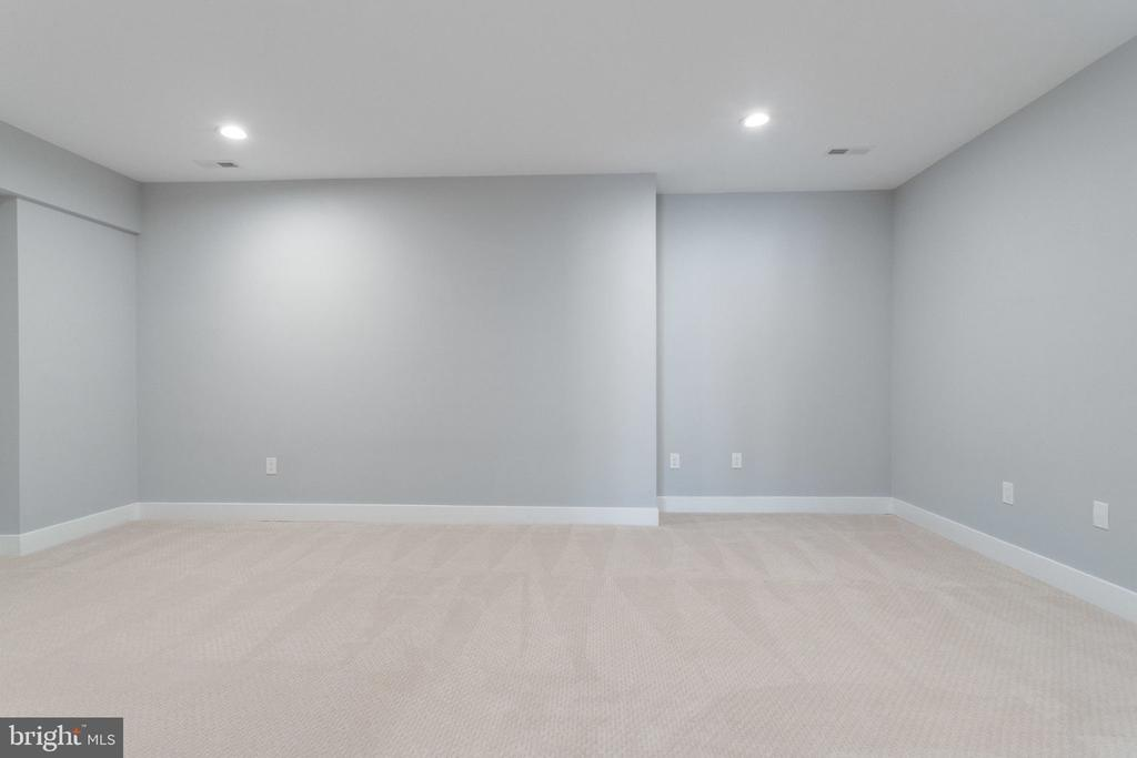 Media room ready for your equipment. - 2043 ARCH DR, FALLS CHURCH