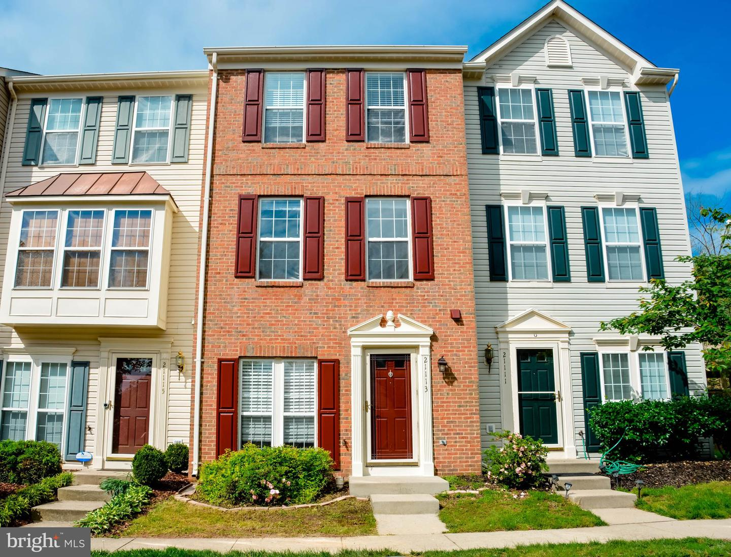 Single Family for Sale at 21113 Footstep Ter Ashburn, Virginia 20147 United States