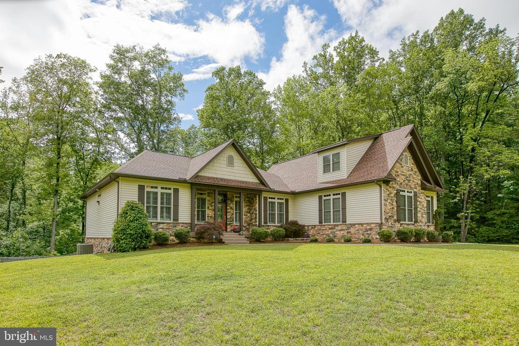 Custom Built Home - 1249 POPLAR RD, STAFFORD