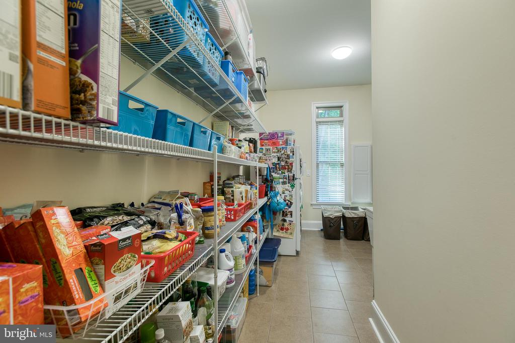 Store like Pantry - 1249 POPLAR RD, STAFFORD