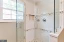 Master bathroom walk-in shower - 4900 16TH ST N, ARLINGTON