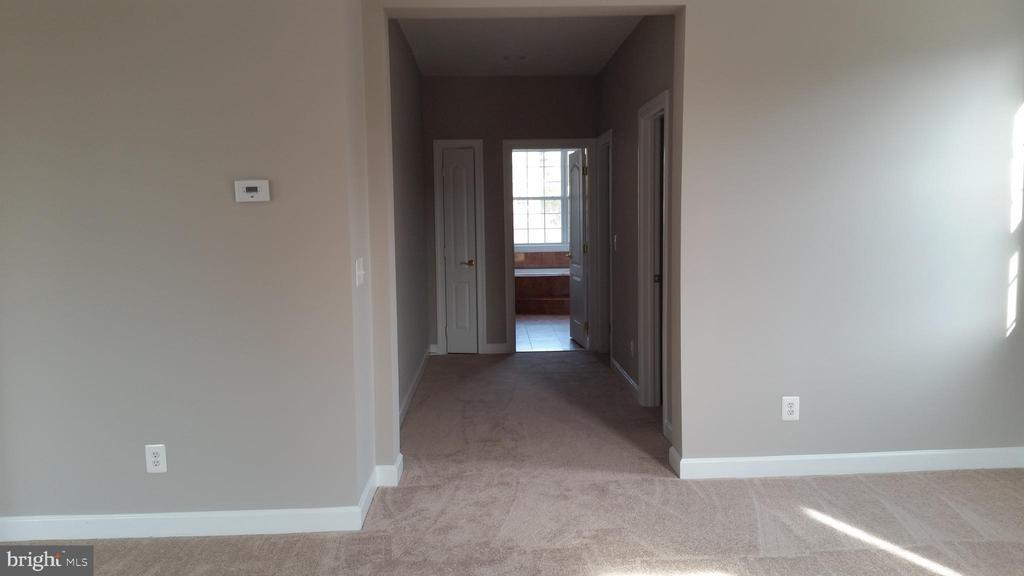 MASTER BEDROOM/WALK IN CLOSETS/MASTER BATH - 46071 EARLE WALLACE CIR, STERLING