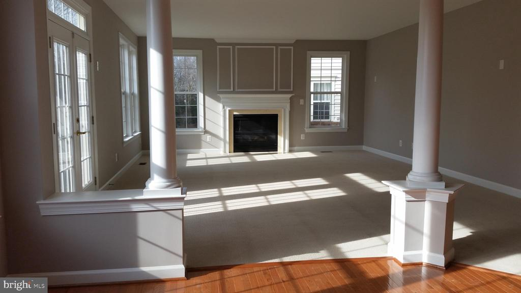 FAMILY ROOM - 46071 EARLE WALLACE CIR, STERLING