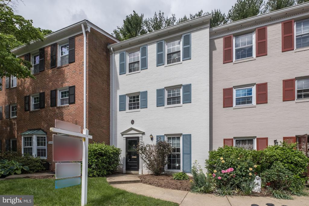 6638  BURLINGTON PLACE, West Springfield, Virginia
