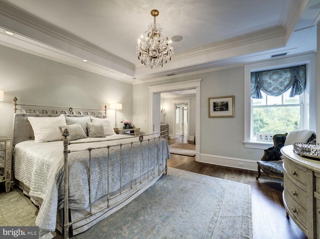 First Upper Level - Master Bedroom - 2344 MASSACHUSETTS AVE NW, WASHINGTON