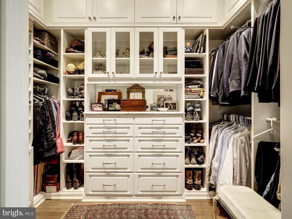 First Upper Level - Dressing Room 1 - 2344 MASSACHUSETTS AVE NW, WASHINGTON