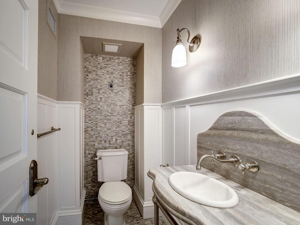 Top Level - Powder Room - 2344 MASSACHUSETTS AVE NW, WASHINGTON
