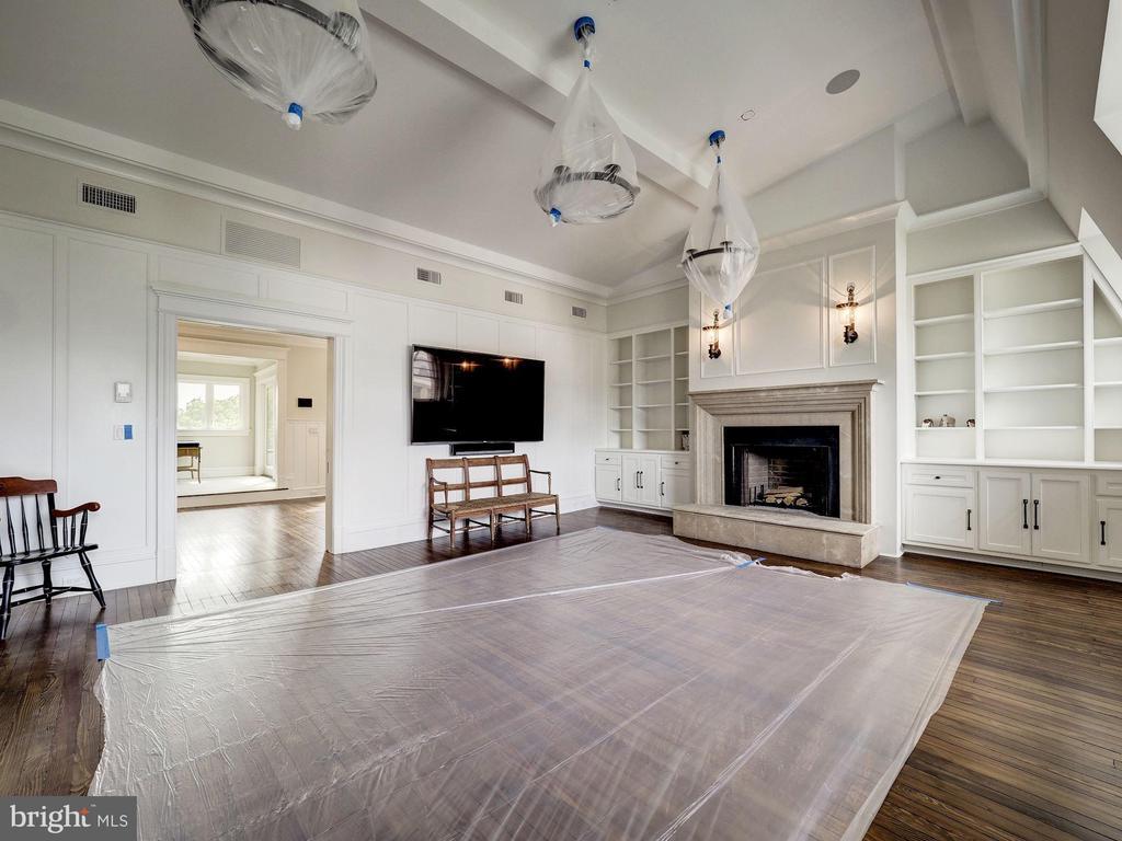 Top Level - Entertaining Suite - 2344 MASSACHUSETTS AVE NW, WASHINGTON