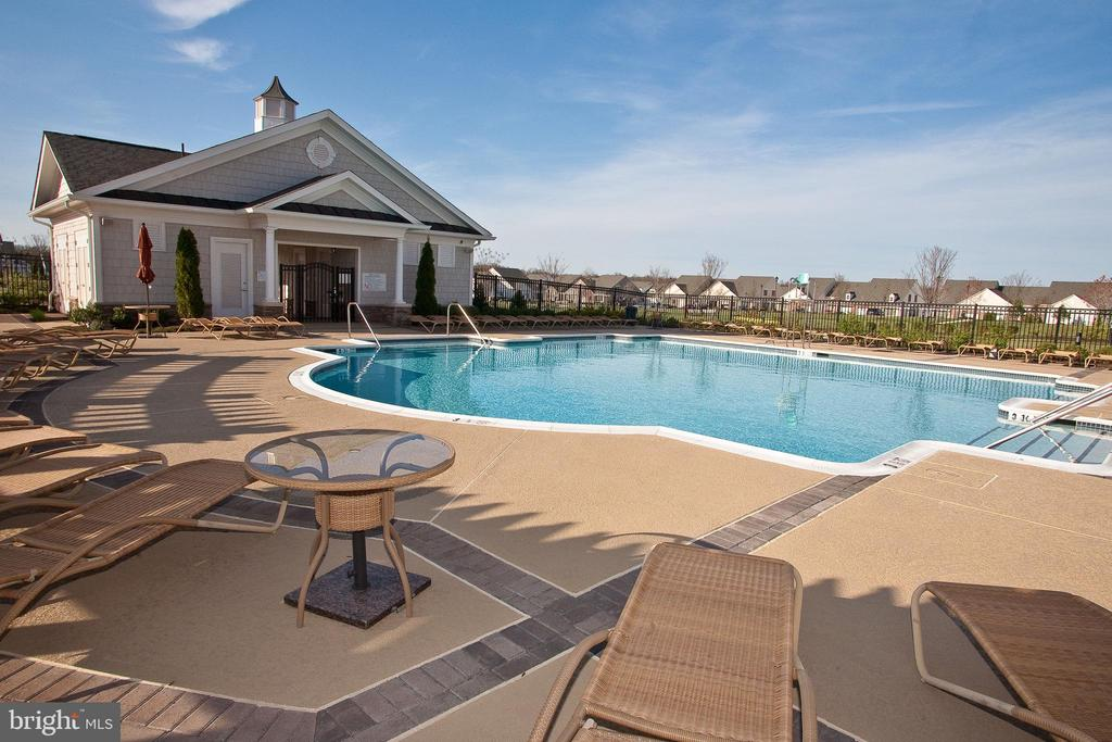 - 20430 CRESCENT POINTE PL, ASHBURN