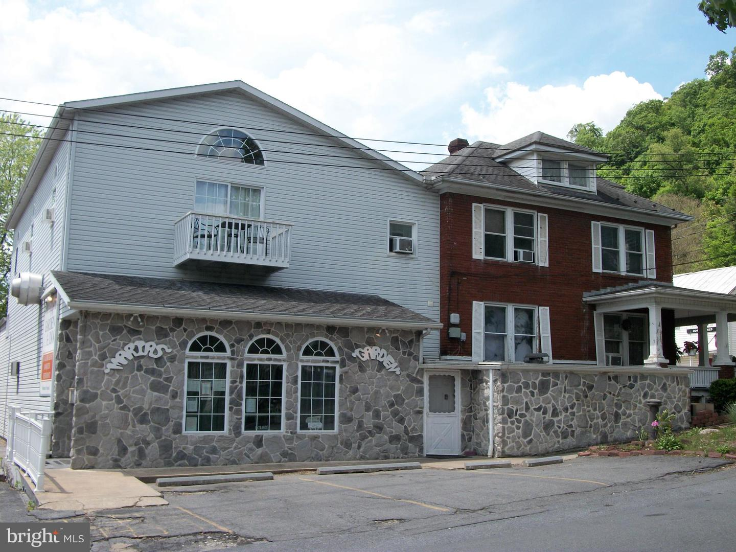 Commercial for Sale at 42 Independence St Berkeley Springs, West Virginia 25411 United States