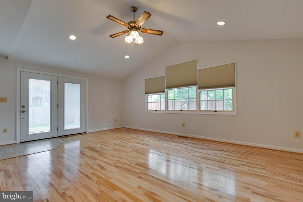 Family Room Exits to Patio - 628 3RD ST, HERNDON