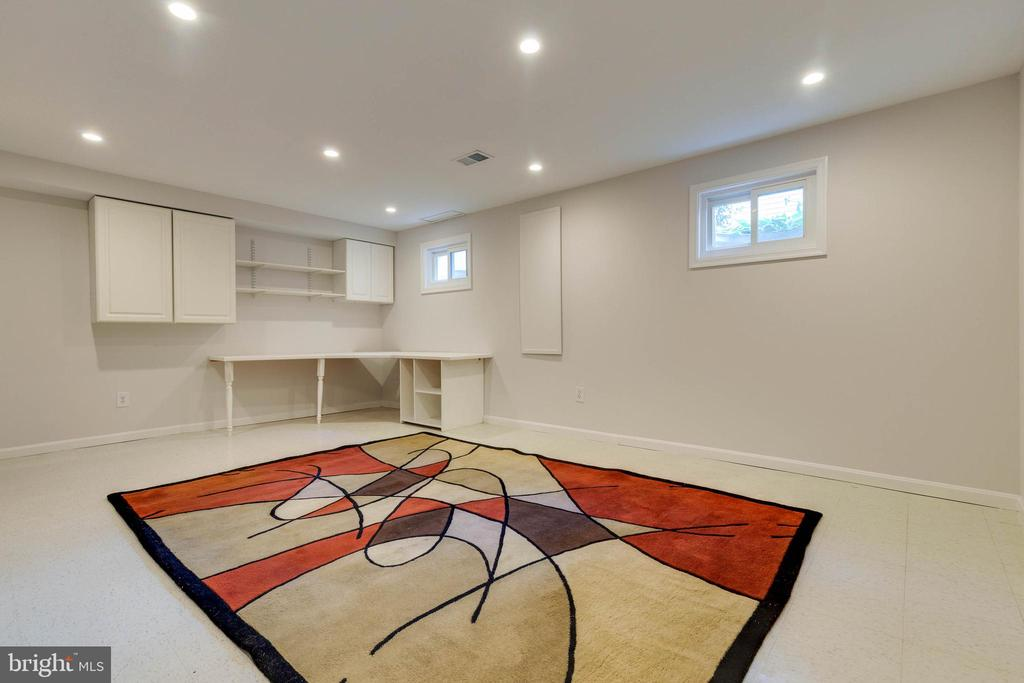 Rec Room with Cabinetry and Recessed Lights - 628 3RD ST, HERNDON