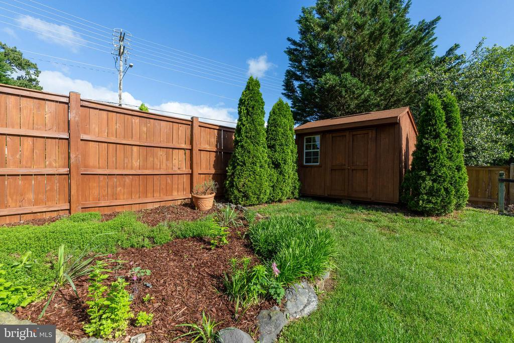 Beautiful Yard with Storage Shed - 628 3RD ST, HERNDON