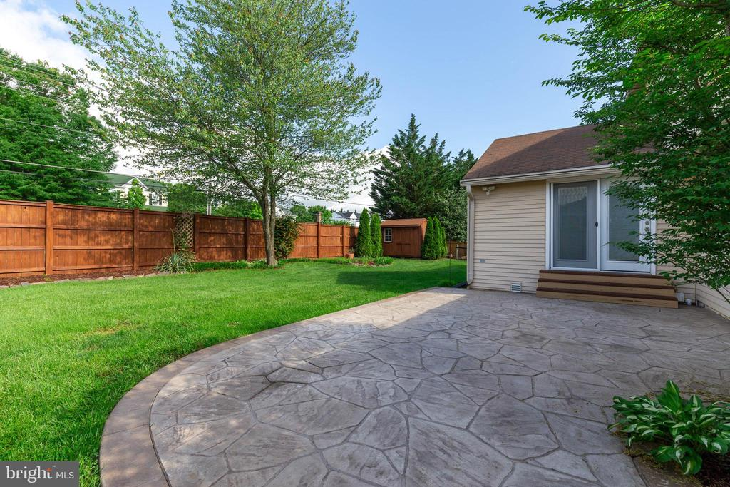 Stamped Concrete Patio - 628 3RD ST, HERNDON