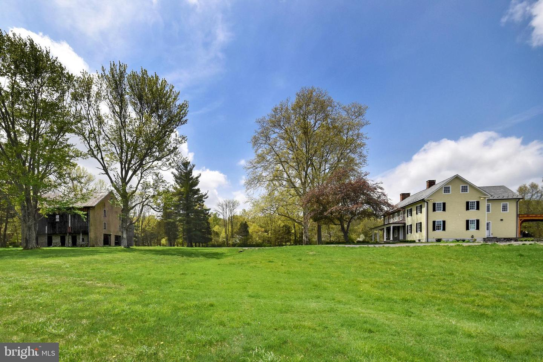 Additional photo for property listing at  Upper Black Eddy, Pennsylvanie 18972 États-Unis