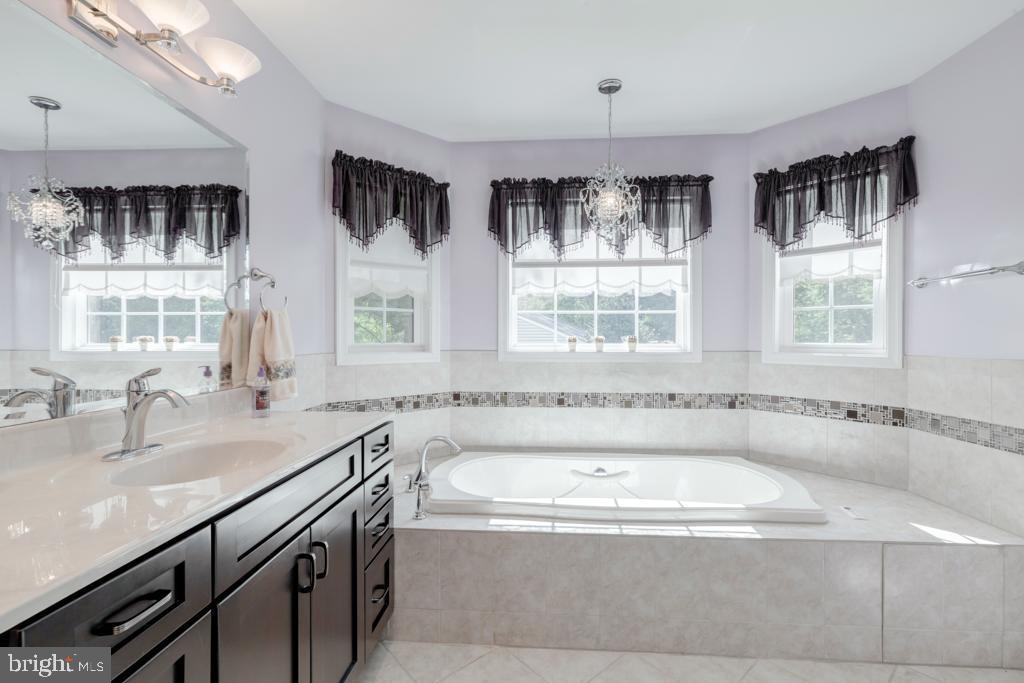 Second Master Bath - 6312 MILLER DR, ALEXANDRIA