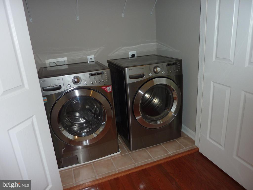 Washer and Dryer Convey - 5322 SAMMIE KAY LN, CENTREVILLE
