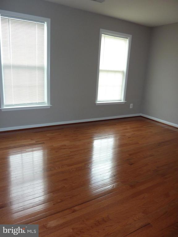 Bedroom 4 with New Hardwood Floor - 5322 SAMMIE KAY LN, CENTREVILLE