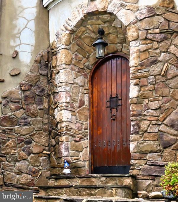 Front Entrance/Door - 7730 VIRGINIA LN, FALLS CHURCH