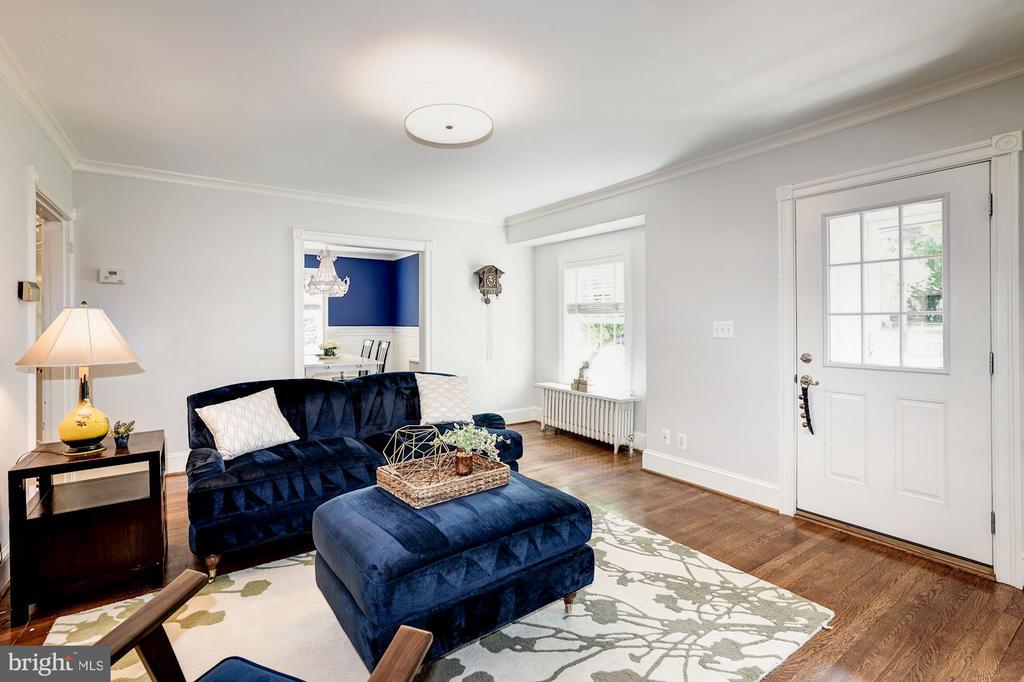 Main Level - Living Room - 1929 N QUINCY ST, ARLINGTON