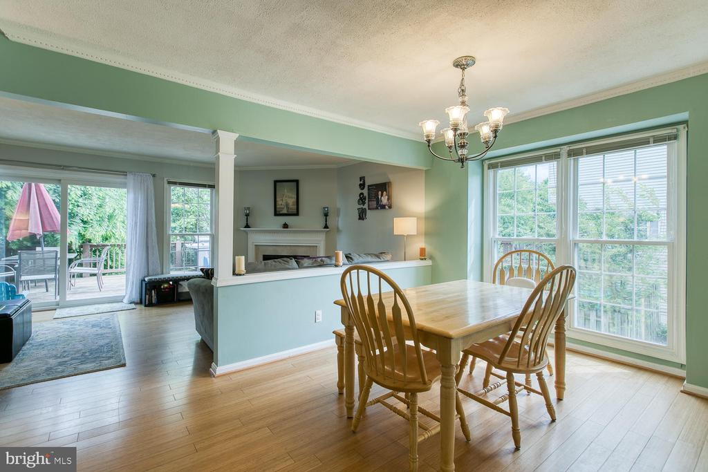 Natural lighting is abundant in this home - 606 FALKIRK CT, FREDERICKSBURG