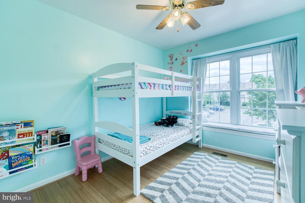 Bedroom #2 with window seat!! - 606 FALKIRK CT, FREDERICKSBURG