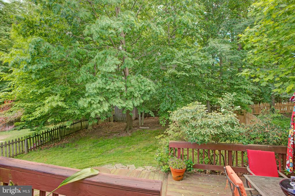 Backs to trees! - 3113 CALLOWAY CT, WOODBRIDGE