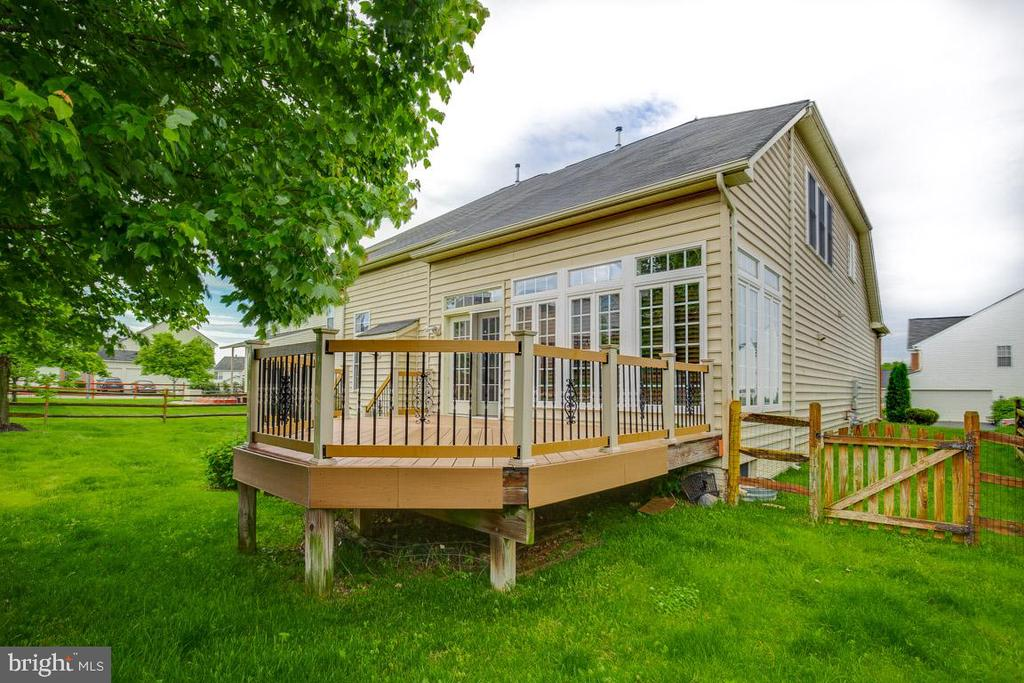 Deck - 41777 PURPOSE WAY, ALDIE