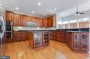 Gourmet Kitchen - 41777 PURPOSE WAY, ALDIE