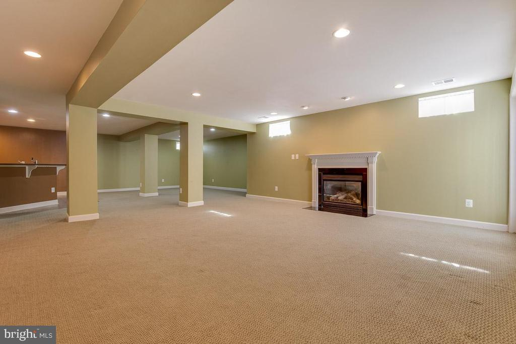 Lower Level Rec Room with  2nd Fireplace - 41777 PURPOSE WAY, ALDIE
