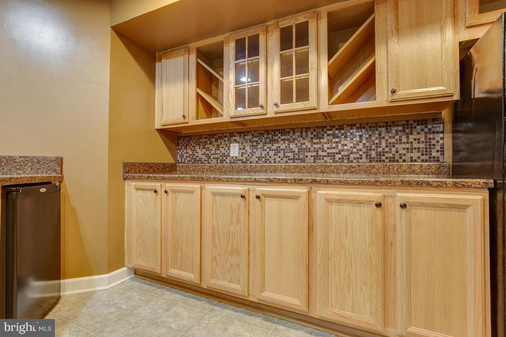 Lower Level 2nd Kitchen - 41777 PURPOSE WAY, ALDIE