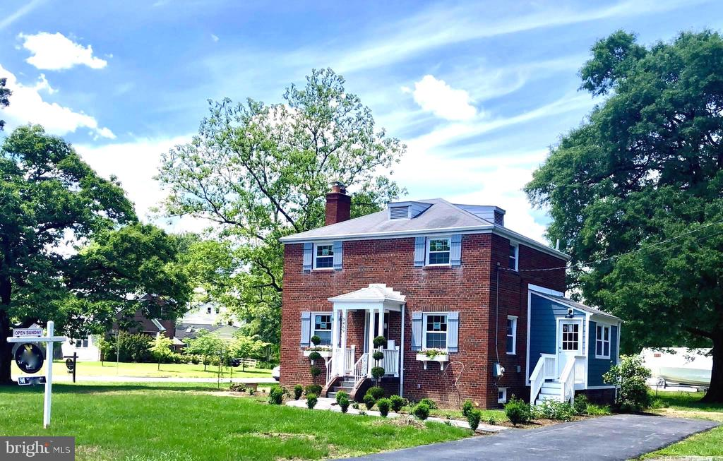 Ample off street parking & room to build a garage - 5469 DAWES AVE, ALEXANDRIA