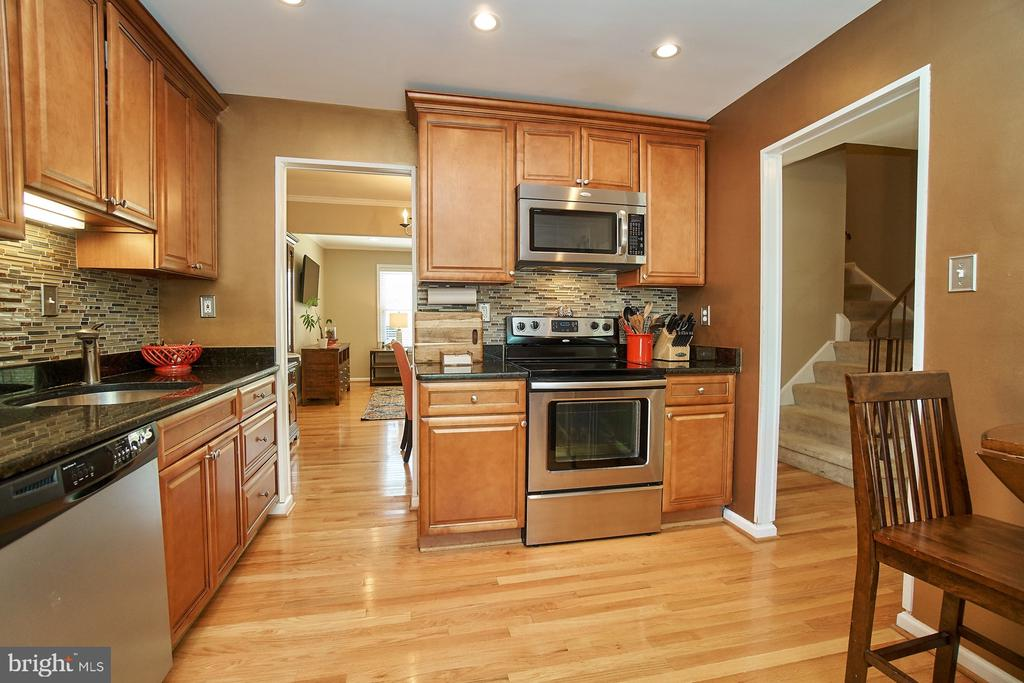 Stainless Steel Appliances - 6011 TICONDEROGA CT, BURKE