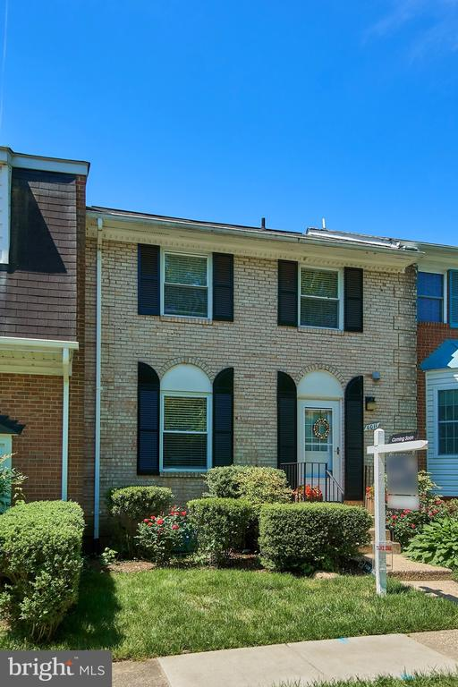 Reserved Parking Right Out Front - 6011 TICONDEROGA CT, BURKE